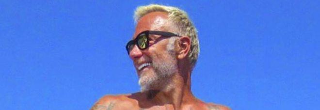 Gianluca Vacchi e la scomparsa della sua fidanzata, sarà colpa della Buccino?