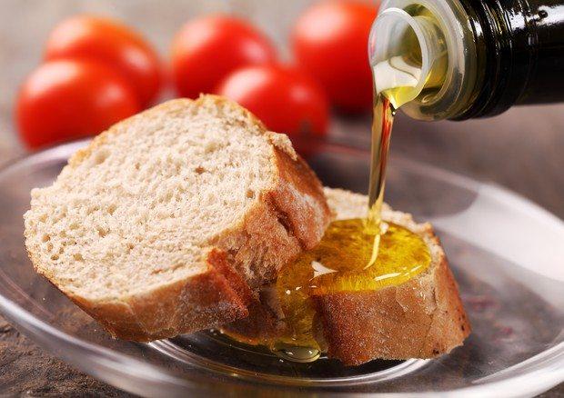 Pane sale e olio, la merenda che fa bene alla salute