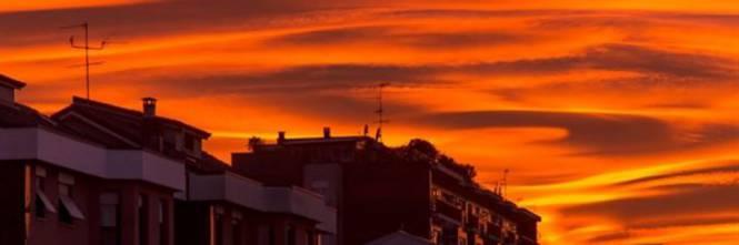 Il tramonto mozzafiato dei giorni scorsi, gli esperti sono preoccupati, eco cosa l'ha provocato