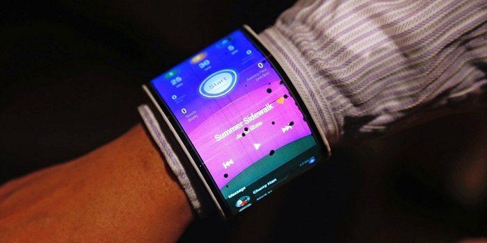 Arriva presto l'Iphone pieghevole, potrebbe essere futuro molto vicino