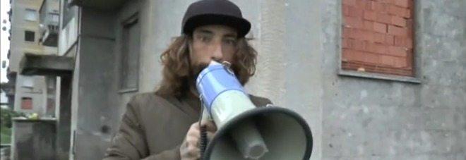 Striscia la notizia, aggredita troupe da spacciatori in un parco a Bologna