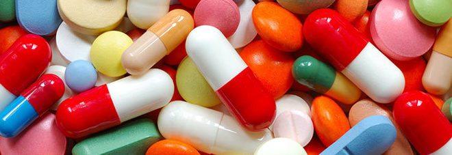 Spezzare le pillole è pericoloso, ecco cosa può succedere.