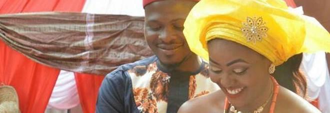 """Scrive su facebook: """"Voglio una moglie"""", una donna risponde e dopo 6 giorni si sposano"""