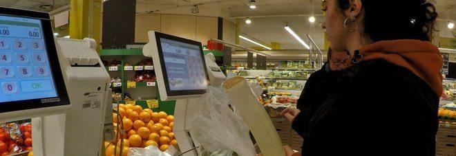 Sacchetti per frutta e verdura a pagamento, scoppia la polemica sui social, boicottiamo!