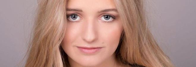 """Italiana 18enne mette all'asta la sua verginità: """"Voglio studiare a cambridge!"""", offre un milione di euro"""