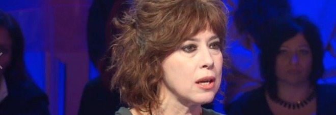 """Veronica Pivetti si confessa: """"Sono esibizionista, giravo nuda per la casa..."""""""