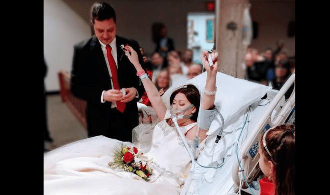 Malata terminale di cancro, 31 anni, si sposa in ospedale e muore 24 ore dopo.