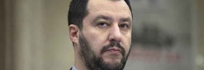 """Gelataia si rifiuta di servire Salvini: """"E'razzista!"""", perde il lavoro"""