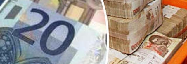 Trova 3 miliardi di lire in banca, ma non può cambiarli in euro.