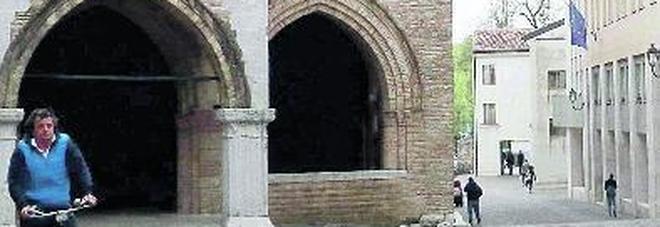 Segnalazioni inquietanti nel municipio: ombre e profezia sulle sorti dell'Italia.