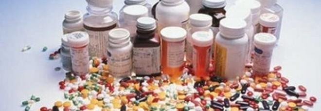 Farmaci scaduti, è un pericolo assumerli? Ecco la verità.