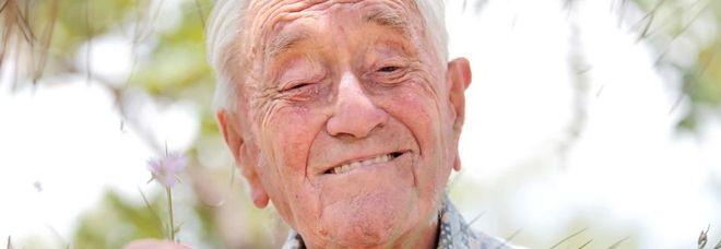 """""""Sto bene, sono solo stanco"""", noto botanico 104 anni sceglie eutanasia in Svizzera"""