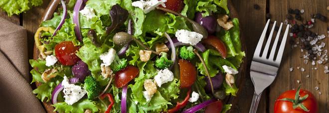 Dieta vegana, 2 italiani su 3 l'hanno abbandonata, ecco perchè.