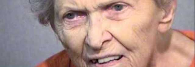 Mamma rifiuta l'ospizio, 92enne uccide il figlio a colpi di pistola.