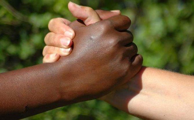 Ma la Boldrini, Saviano, conoscono il significato di razzismo? Seconda puntata.