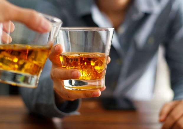 Alcolici, anche un uso moderato è causa di morte, un nuovo studio