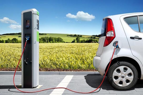 Il 2019 sarà l'anno dell'auto elettrica, in arrivo nuovi modelli, dall'Audi alla Volkswagen