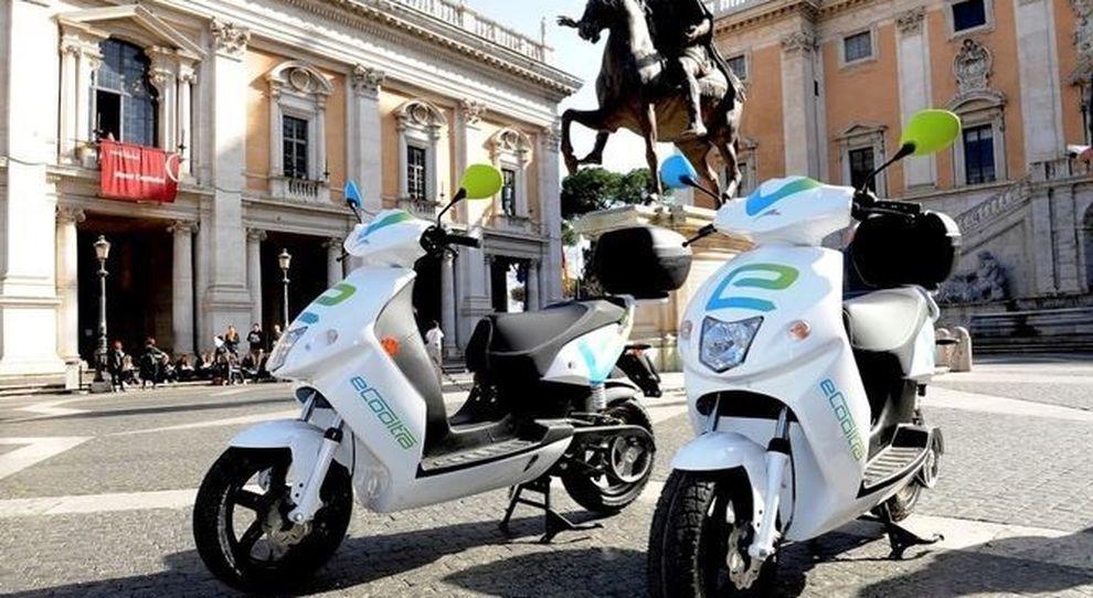 Arriva il bonus anche per gli scooter elettrici e ibridi, ecco i requisiti.