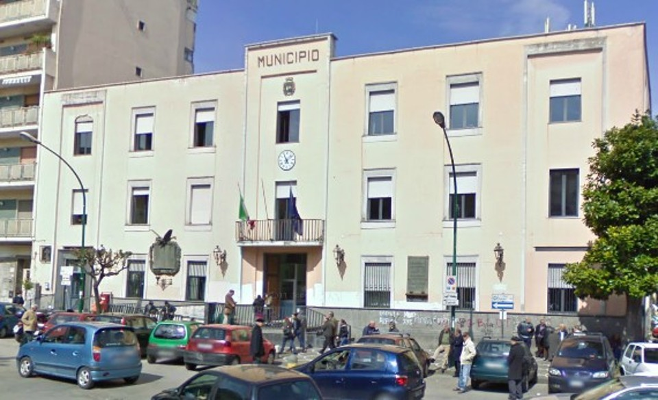 Casoria, comune a nord di Napoli, commissariato per l'ennesima volta