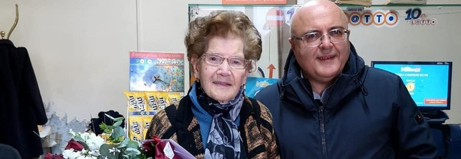 La tabaccaia, nonnina di 90 anni mette in fuga il rapinatore
