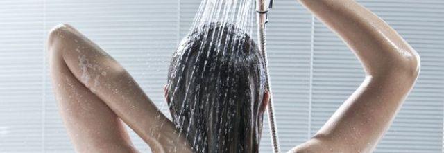 Filmare la vicina di casa sotto la doccia non è reato.