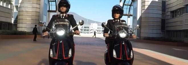 Novità: carabinieri non più a cavallo, ma in sella al motorino.