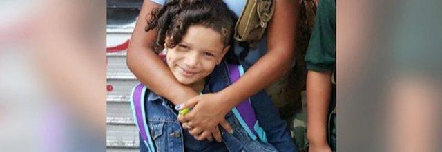 Mamma vieta cellulare alla figlia di 9 anni e lei si uccide