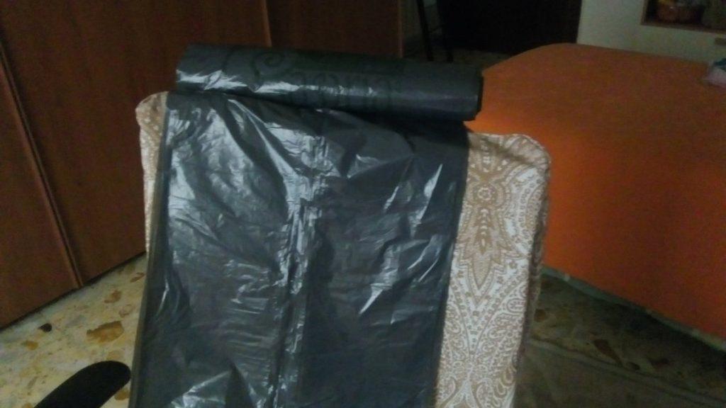 Buste fuori legge per l'umido, distribuite dai comuni