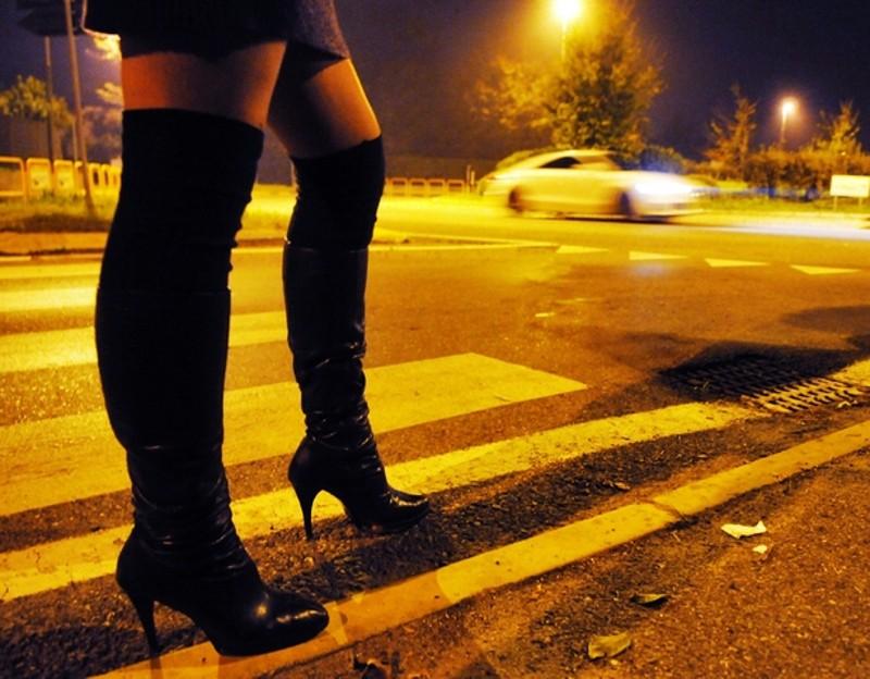 novantenne beccato con le prostitute dalla polizia municipale.