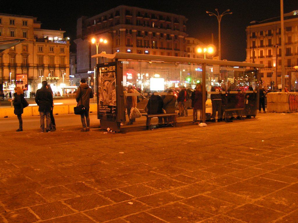 Il trasporto pubblico di Napoli e provincia è come attraversare il deserto