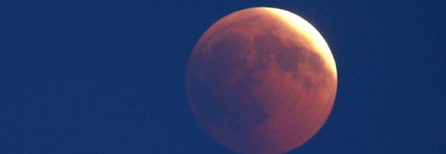 Questa sera eclissi parziale della Luna, ecco come assitere allo spettacolo.