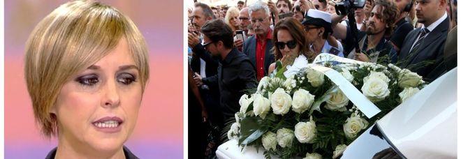 Nadia Toffa, oggi in migliaia al suo funerale a Brescia celebrato da don Patriciello