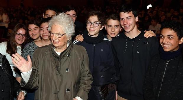 Razzismo e antisemitismo: approvata in Senato mozione di Liliana Segre, ma il centrodestra si astiene. Leggo,-it