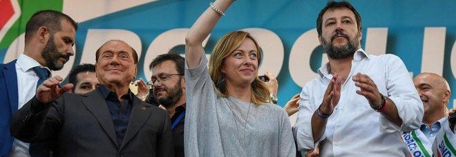 Centrodestra a Roma, Salvini: «Siamo il popolo contro le élite». Meloni lascia la piazza per prima-IlMattino.it