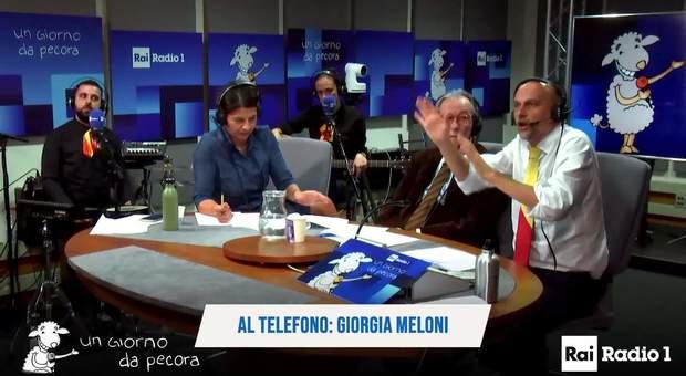 Giorgia Meloni canta «Io sono Giorgia», il tormentone che sta impazzando sul web ➥