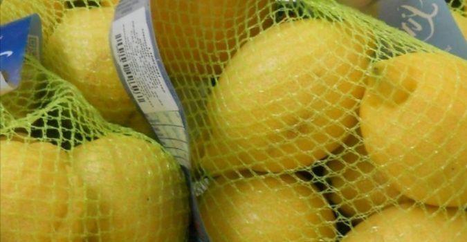 Sicilia, limoni cancerogeni: scatta il sequestro in un centro commerciale di Siracusa-Fanpage