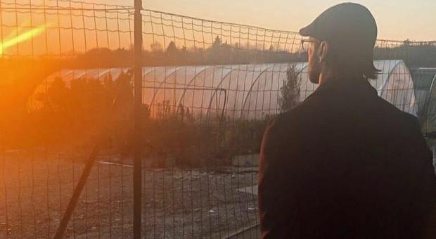 Fabrizio Corona, barba e capelli lunghi: dopo il carcere ha un nuovo look-LEGGO ➥