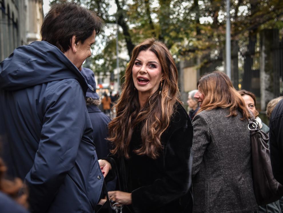 Alba Parietti: «Gli ignoranti sono pericolosi, non dovrebbero poter votare». Bufera sui social-LEGGO➟