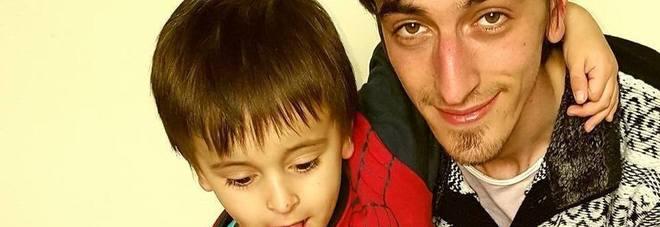 Papà uccide il figlio di cinque anni soffocandolo in auto, assolto in appello: «Incapace di intendere e volere»-LEGGO➥