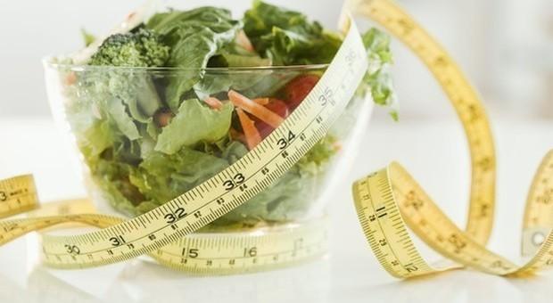 Dieta per perdere chili dopo le feste: il digiuno intermittente è approvato dalla scienza-LEGGO➥