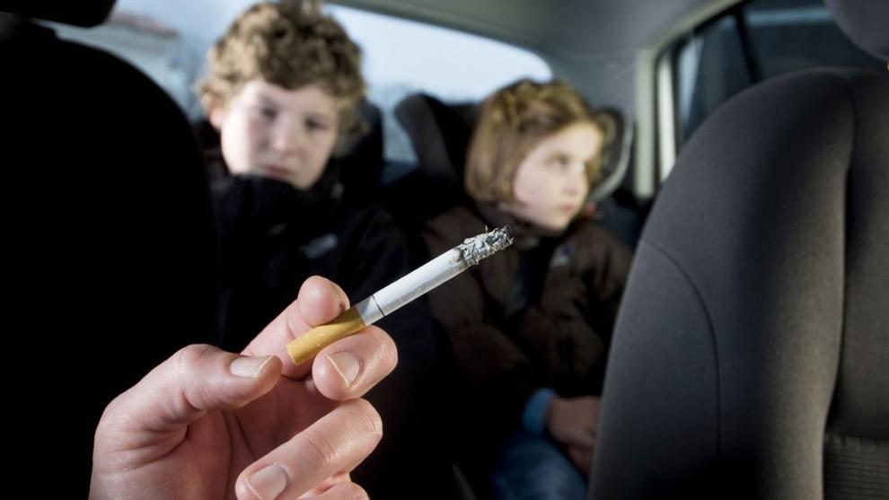 Fumo passivo in casa, figli a rischio malattie cardiache anche decenni dopo-LEGGO➥