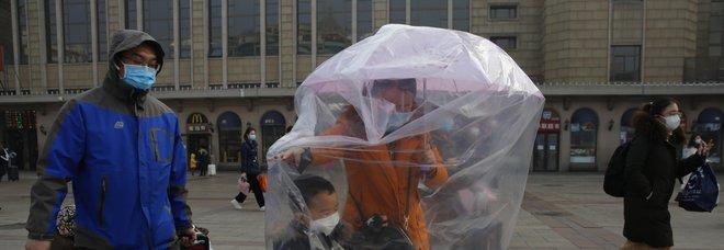 Coronavirus, contagi anche tra chi non è mai stato in Cina. E il numero dei morti supera quota mille-LEGGO➟