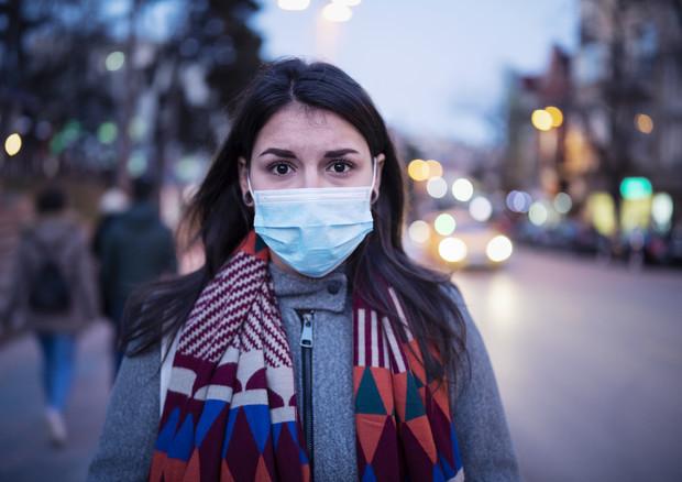 Stress e ansia da Coronavirus, le regole degli psichiatri per gestirli-ANSA➟