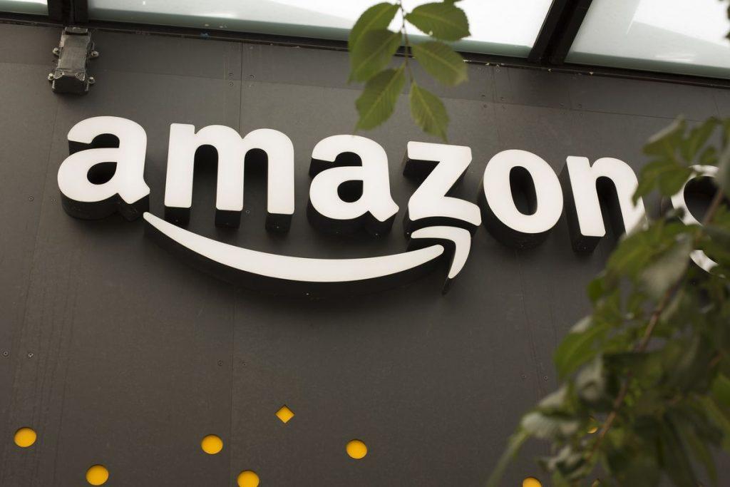 Amazon limita gli ordini: consegna solo beni di prima necessità. Cosa succede a chi ha già prenotato-LEGGO➟