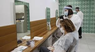 Covid19, riaprono barbieri, parrucchieri ed estetiste con regola da sala operatoria-ANSA➟