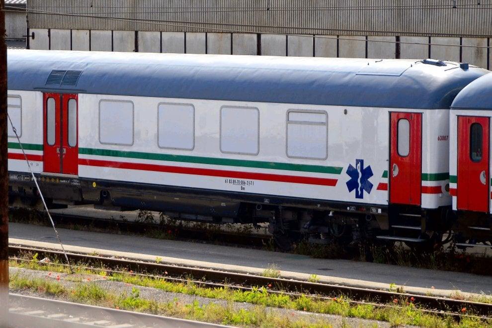 Covid 19, i treni per allontanare i positivi al tampone-ANSA➟